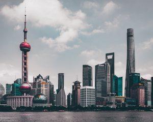 Xi Jinping promete abrir la economía china y bajar los aranceles - Atlas Overseas